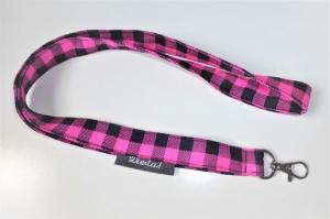 Schlüsselband 51 cm lang mit Karabiner, pink und schwarz kariert, zum Umhängen auch für Fahrkarte, Taschenlampe, Mädchen - Handarbeit kaufen