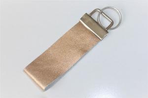 1 edles Schlüsselband aus echtem Leder, Gold, 3 cm breit, Klemmschließe mit Schlüsselring - Handarbeit kaufen