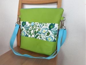 Umhängetasche in strahlendem Grün kombiniert mit türkis und petrol, aus Kunstleder, Origami Ecken, Dieda - Handarbeit kaufen