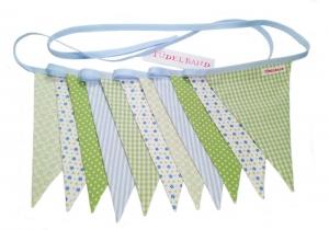 Wimpelkette Girlande mit 11 Wimpeln...hellblau...grün...geblümt - Handarbeit kaufen