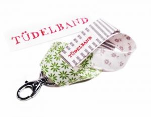 Schlüsselband ...kleines Tüdelband...hellgrau...grün...weiß... - Handarbeit kaufen