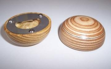 Handschmeichler / Kapselheber aus verleimtem Holz