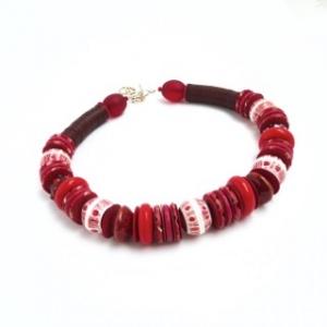 Perlenkette Rot Mixtur Keramik Glas Harz Unikat Collier Halskette