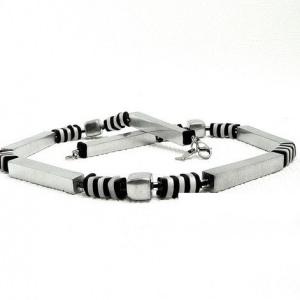 Halskette Streifen Schwarzweiß Unikat Halsschmuck Geometrie