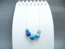 Polygone Handlackiert Blaue Töne Silberglitter Keramik Kugelkette