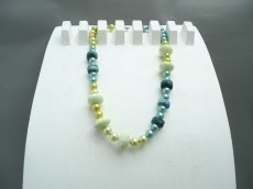Perlenkette Frühling Edelsteine Apatit und Zitronen Chrysopras Collier Unikat