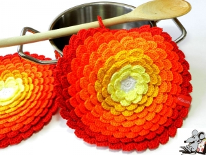 Topflappen *Blume* gehäkelt (1 Paar) *No. 4* 100% Baumwolle ♥Mäusewerkstatt♥ - Handarbeit kaufen
