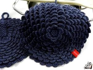 Topflappen *Blume* gehäkelt (1 Paar) 2-lagig *graphit* 100% Baumwolle ♥Mäusewerkstatt♥ - Handarbeit kaufen