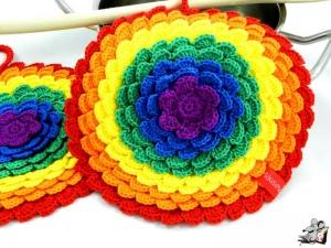 Topflappen *Blume* gehäkelt (1 Paar) 2-lagig *Regenbogen* 100% Baumwolle ♥Mäusewerkstatt♥ - Handarbeit kaufen