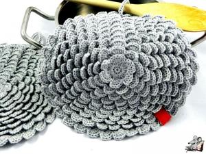 Topflappen *Blume* gehäkelt (1 Paar) 2-lagig *silber* 100% Baumwolle ♥Mäusewerkstatt♥ - Handarbeit kaufen
