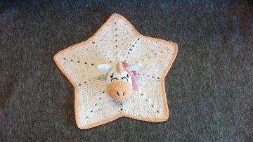 Süßes Schmusetuch für Babys mit Einhornkopf in orange/rosa als Seelentröster