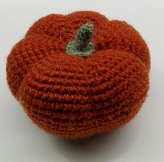 Gehäkelte Kürbisse, für Kinderküchen und Herbstdeko geeignet