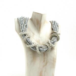 Halskette Ringe Seidenschmuck Silbergrau Sand Unikat Collier