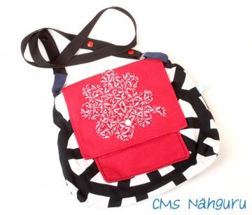 Umhängetasche ♡ Kleeblatt ♡ Praktische Tasche mit individuellem Innenleben