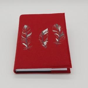 Terminkalender in roter Filzhülle incl. Stick Motiv 3 Federn - Handarbeit kaufen