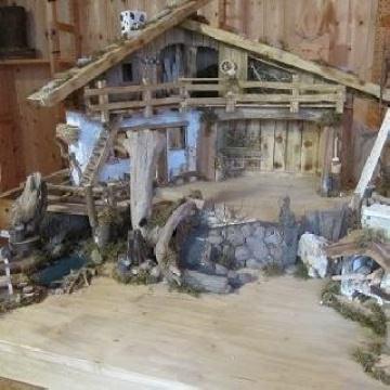 Weihnachtskrippe voll massiv Schmuckstück mit Liebe zum Detail angefertigt, echte Handarbeit