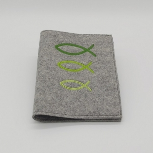 Gotteslob aus Filz mit grünen Fischen bestickt - Handarbeit kaufen