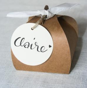 Gastgeschenk Seedbomb (Samenbombe) mit Blumensamen für Events, z.B. Hochzeit Geburtstag Taufe Kommunion Konfirmation Firmung *Kraftpapier-Box mit Anhänger