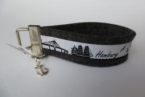 Schlüsselanhänger - HAMBURG CITY-SKYLINE - Wollfilz dunkelgrau