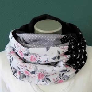 Milo-Schaly Loopschal Damen Rosen Romantik weiß grau Loop Fleece Schlauchschal  - Handarbeit kaufen