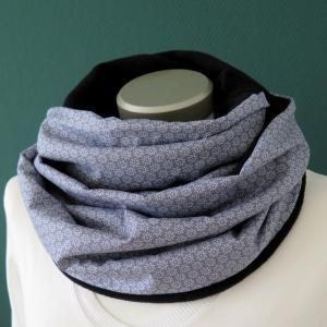 Milo-Schaly Loop Miniblümchen grau weiß Fleece Loopschal Kuschelschal  - Handarbeit kaufen