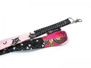 Milo-Schaly Schlüsselband lang bunt Patchwork Karabiner Einzelstück Schlüsselanhänger schwarz pink rosa Katze Blumen  - Handarbeit kaufen