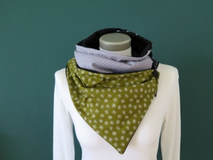 Milo-Schaly  Wickelschal mit Knopf Pusteblume grün Patchwork Schal Fleece Knopfschal - Handarbeit kaufen