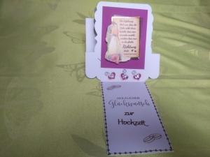Hochzeitskarte in weiß  mit einem Hochzeitspaar