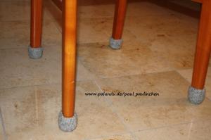 Stuhlsocken, stahlgrau, 10 - 11 cm Stuhlbeinumfang, gefilzt, 1 Set = 4 Söckchen - Handarbeit kaufen