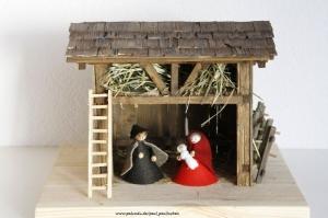 Weihnachtskrippe inkl.Heiliger Familie, bis ins kleinste Detail selbst angefertigt,  Modell 5057,  bei Paul & Paulinchen  - Handarbeit kaufen