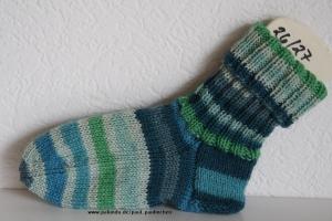 Kindersocken grün-türkis, Größe 26/27, für Jungen und Mädchen Artikel 4174 bei Paul & Paulinchen   - Handarbeit kaufen