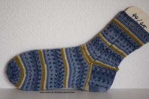 Damen-, Herrensocken handgestrickt, Größe 44/45 in verschiedenen Blautönen, Artikel 4183 bei Paul & Paulinchen