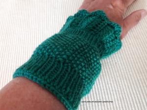 Pulswärmer, Armstulpen,  Stulpen, kurz handgestrickt, grün, Artikel 1011 von Paul_Paulinchen