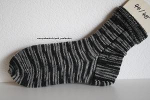 Herrensocken handgestrickt, Fb.: schwarz-grau, Größe 44/45, Artikel 4207 bei Paul & Paulinchen