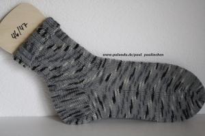 Herrensocken handgestrickt, Fb.grau-schwarz, Größe 46/47, Artikel 4244  bei Paul & Paulinchen     - Handarbeit kaufen