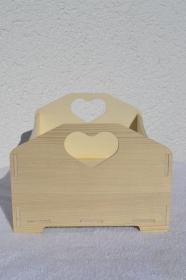 Holzkiste mit Herz Kiste Dekokiste Holzbox Deko Utensilo braun natur unlackiert