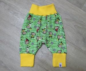 Pumphose mitwachsend, Gr. 50 - 62, Motiv: Fußball, Farbe: Grün, MamiAktiv, Newborn