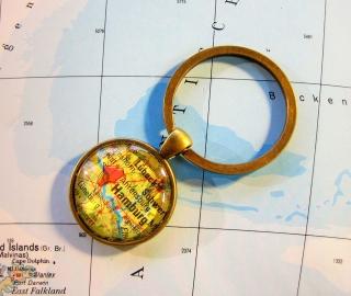 Schlüsselanhänger HAMBURG ♥ bronze *Landkarte* ACCESSOIRE - Handarbeit kaufen