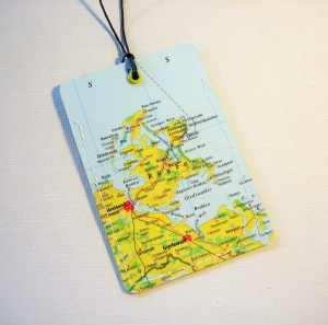 Kofferanhänger RÜGEN ♥ Ostsee Landkarte *upcycling* - Handarbeit kaufen