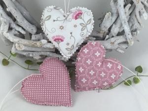 3 feine Stoffherzen in rosa/weiß,Dekoherzen,Herzen,Fensterdekoration