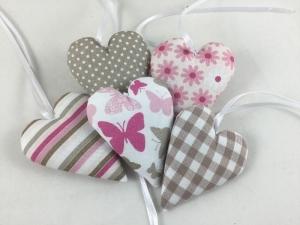 5 Stoffherzen in taupe/pink/weiß,Schmetterling,Dekoherzen, - Handarbeit kaufen