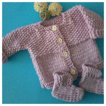 Baby Jacke mit Schuhe--Gr.:62-68--Handgestrickt in der Farbe Rose mit angenehm, weicher und wärmender 100% Wolle