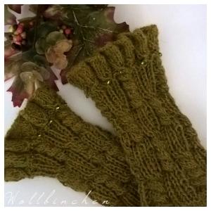 Handgestrickte Pulswärmer--Farbe: grün/meliert--100% Alpaka - Handarbeit kaufen