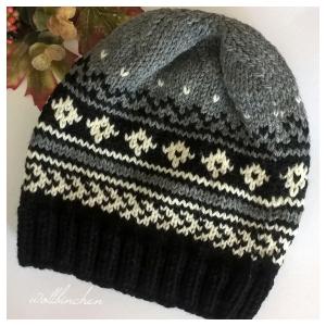 Mütze--100% Wolle--Schwarz/Grau/Natur--Handgestrickt