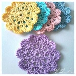 Untersetzer--Kleine Häkeldeckchen--Set-5-teilig--Pastellfarben--100% Baumwolle - Handarbeit kaufen