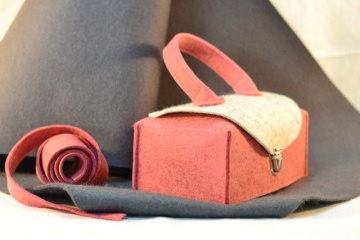 Taschentücher  Koffer aus Woll-Filz mit Schliese