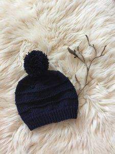 Baby's erste Bommelmütze aus 100% Merino Wolle