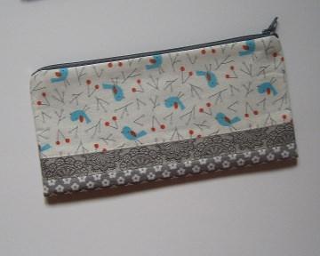 Stiftemäppchen, Reißverschluss-Etui im Längsformat für Schreibstifte, als Taschenorganizer für Kosmetik und andere Kleinigkeiten