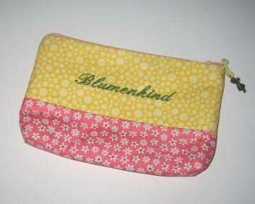 Blumenkind-Etui, Unikat aus hochwertigen Baumwollsoffen mit Innenfutter und Reißverschluss   - Handarbeit kaufen