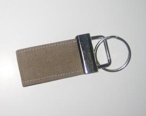 Schlüsselanhänger, Unikat aus Baumwollstoff mit Metallring - Handarbeit kaufen
